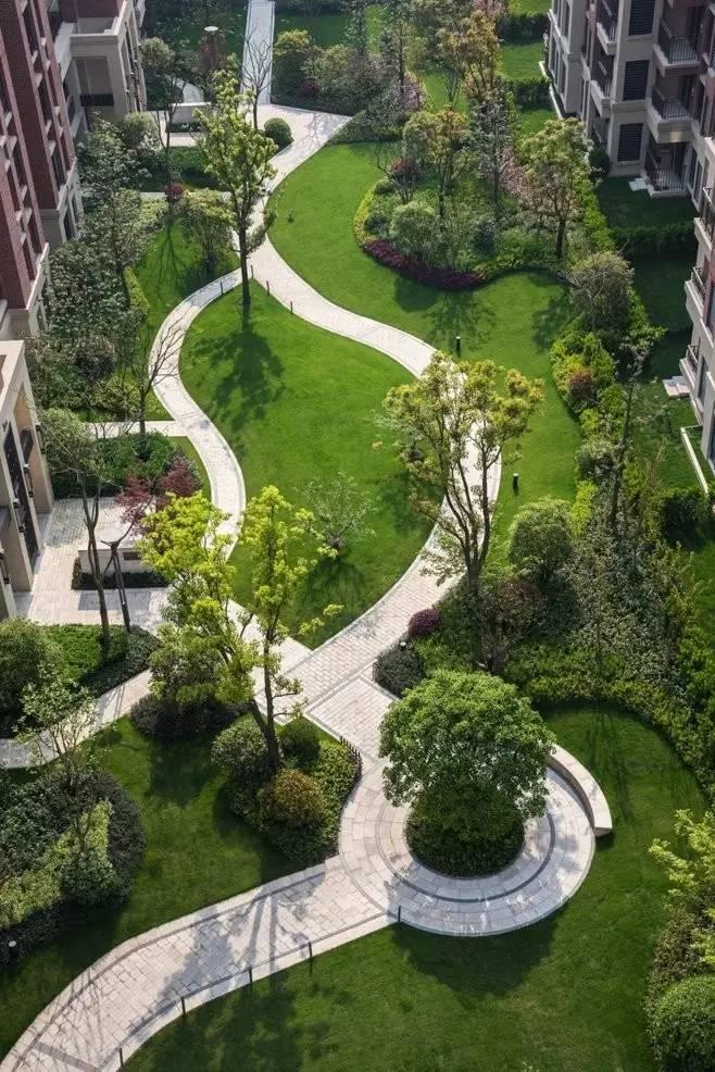别墅楼梯设计需要遵循哪些原则_绿化设计原则_绿化树种选择原则